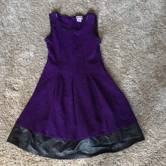 emily west Other - Girls purple dress 👗